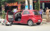 Tin tức - Mở cửa ô tô bất cẩn gây tai nạn, nữ sinh bất tỉnh tại chỗ