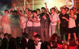 """Sinh viên Đại Nam """"quẩy"""" hết mình trong bữa tiệc âm nhạc cùng ca sĩ Min"""
