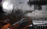 """Video cho thấy sức gió khủng khiếp khi siêu bão """"quái vật"""" Michael đổ bộ nước Mỹ"""