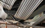 Tin tức - Video: Khoảnh khắc xe tải kéo sập giàn giáo ở đầu hầm Thủ Thiêm