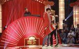 """Tin tức - Cặp đôi nam tỏ tình, """"khóa môi"""" trên sân khấu giành 100 triệu ngay tập 1 Thách thức danh hài"""