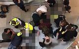 Tin tức - Tai họa trời giáng: Người đi đường cấp cứu do bị thanh niên nhảy lầu tự tử rơi trúng đầu