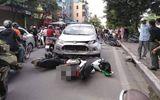 Tin tức - Ô tô đâm liên hoàn 4 xe máy khiến 6 người nhập viện
