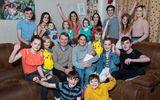 Cặp vợ chồng đông con nhất nước Anh chào đón em bé thứ 21