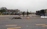 Tin tức - Tin tai nạn giao thông mới nhất ngày 13/11/2018: Xe container lật, đè chết 2 mẹ con ở Ba Vì