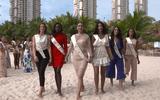 Tin tức - Đụng độ 5 ứng viên nặng ký, Tiểu Vy vẫn tự tin nắm tay đối thủ tại Miss World