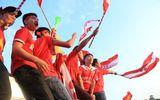 """Tin tức - Video: Hàng ngàn CĐV Việt Nam biến SVĐ Mỹ Đình thành """"chảo lửa"""""""