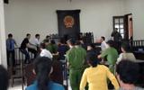 Tin tức - Người đánh vào mặt kiểm sát viên tại tòa bị đề nghị truy tố