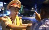 Tin tức - Vụ thanh niên thúc cùi trỏ CSGT: Hé lộ thông tin thanh niên đi xe máy bỏ trốn khỏi hiện trường
