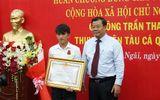 Tin tức - Trao tặng Huân chương Dũng cảm cho ngư dân cứu người giữa biển