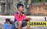 Video: Cậu bé bán rong lại gây sốt cộng đồng mạng bằng màn đếm số 16 thứ tiếng