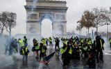 Pháp chính thức hủy tăng thuế nhiên liệu sau cuộc biểu tình lớn nhất trong vòng 50 năm