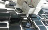 """Toàn cảnh - Loạn thị trường điện thoại di động xách tay -  Bài 1: Hàng loạt """"ông lớn"""" nói không với VAT"""