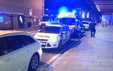 Kinh hoàng vụ tấn công bằng dao trong đêm giao thừa ở Anh, 3 người bị thương