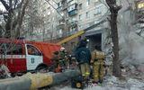 Cứu hộ trắng đêm vẫn chưa tìm được 37 người bị vùi lấp trong vụ sập nhà tại Nga