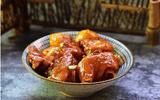 Món ngon mỗi ngày: Chân giò om khoai tây mềm ngon, ăn mãi không ngán