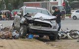 """Tin tai nạn giao thông mới nhất ngày 7/1/2019: Ô tô """"điên"""" tông liên hoàn, 2 vợ chồng thiệt mạng"""