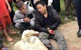 Nghi can trộm chó bị dân vây bắt trên cánh đồng ở Vĩnh Phúc
