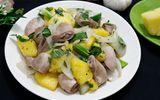 Món ngon mỗi ngày: Tràng lợn xào dứa giòn sần sật