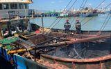 Khánh Hòa: Tàu cá của ngư dân bốc cháy dữ dội, thiệt hại hàng tỷ đồng
