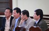 Xét xử vụ chạy thận 9 người chết ở Hòa Bình: Lời khai mâu thuẫn của nguyên giám đốc và PGĐ bệnh viện