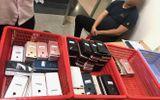 Pháp luật - Khởi tố hành khách Hàn Quốc đem 200 chiếc điện thoại nhập cảnh vào Việt Nam để bán kiếm lời