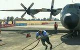 Video: Xem người đàn ông khỏe nhất thế giới kéo lê máy bay nặng 26 tấn