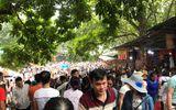 Chùa Hương: Hàng vạn người chen lấn chờ khai hội