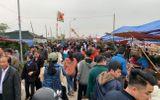 """Hàng vạn du khách đổ về chợ Viềng """"mua may, bán rủi"""" trước ngày khai hội"""