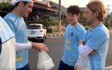 """Video: Xuân Trường tự tin """"chém"""" tiếng Anh với đồng đội mới sau khi ra mắt ở Thái Lan"""