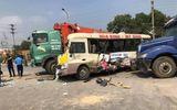 Tin tức - Tin tai nạn giao thông mới nhất ngày 22/2/2019: 3 ô tô kẹp xe máy trên đại lộ Thăng Long, 2 vợ chồng thiệt mạng