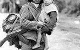 """Xã hội - Đi tìm nguyên mẫu """"cô bộ đội và em bé năm 1979"""" trong bức ảnh nổi tiếng bây giờ ra sao?"""