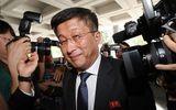 Tin trong nước - Đặc phái viên Triều Tiên bị phóng viên quốc tế vây kín khi đặt chân tới Hà Nội