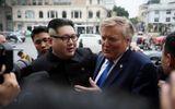 """Tin tức - Hé lộ mức thu nhập đáng mơ ước của """"bản sao"""" ông Kim Jong-un và Donald Trump"""