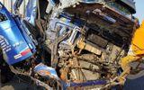 Tin tai nạn giao thông mới nhất ngày 27/2/2019: Đang cứu hộ trên cao tốc, tài xế container bị tông chết