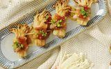 Món ngon mỗi ngày: Ba chỉ cuộn nấm kim châm sốt dầu hào thơm nức mũi