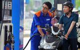 Giá xăng RON 92 và RON 95 bất ngờ tăng trên 900 đồng/lít