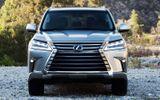 """Bảng giá xe Lexus mới nhất tháng 3/2019: Chuyên cơ mặt đất"""" Lexus LX570 tăng tới 370 triệu đồng"""
