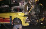 Thanh Hóa: Xe khách giường nằm tông xe đầu kéo, húc đổ tường nhà dân lúc rạng sáng