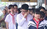 Xã hội - Khăn quàng đẫm nước mắt ngày tiễn đưa 8 em học sinh đuối nước thương tâm