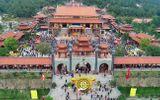 """Tin trong nước - Clip: Nhóm phóng viên kể lại hành trình tiếp cận hoạt động """"thỉnh vong"""" bên trong chùa Ba Vàng"""