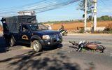 Tông vào ôtô cảnh sát cơ động, người phụ nữ đi xe máy nguy kịch