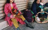 """Cô bé vô gia cư xinh xắn ở Hà Nội tự phối đồ """"cực chất"""" từ quần áo cũ"""