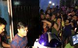 Video: Đại gia Phúc XO rời nhà ra xe về trụ sở công an