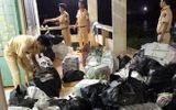 Kinh doanh - Nhảy xuống sông Tiền để thoát thân, bỏ lại 21.000 gói thuốc lá ngoại nhập lậu