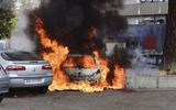 Kỳ lạ nghi thức đốt xe ôtô xua xui xẻo, mừng năm mới