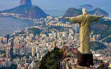 Tượng Chúa Kitô ở Rio de Janeiro bị sét đánh bay ngón cái