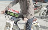 """Hoài Linh làm xe ôm """"đúng chuẩn"""", """"chính chủ"""" trong phim hài Tết"""