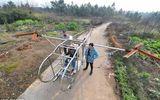 Trung Quốc: Nông dân dùng phế liệu kim loại để tự chế trực thăng