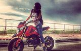 9X xinh đẹp mê xe côn tay và biểu diễn mô tô mạo hiểm